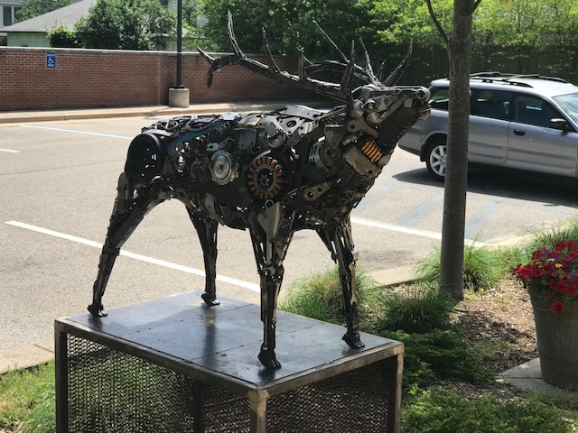 image of elk sculpture